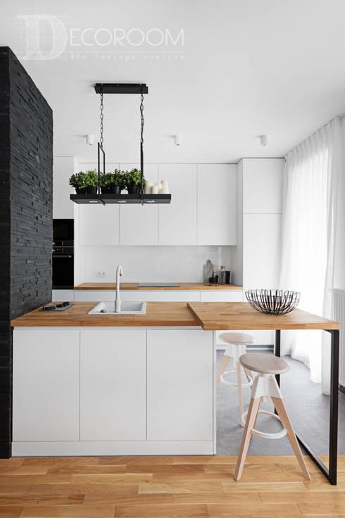 pomysłowe wnętrze: styl , w kategorii Kuchnia zaprojektowany przez Decoroom