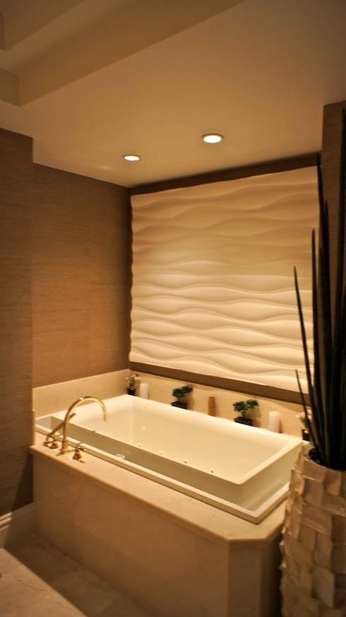 Kerim Çarmıklı İç Mimarlık – One Bal Harbour Miami Evi: klasik tarz tarz Banyo