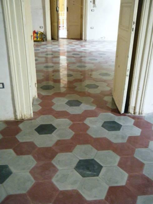 Pavimenti liberty cementine graniglie di marmo e non solo di tomasello srl pavimenti d 39 epoca - Cementina bagno ...