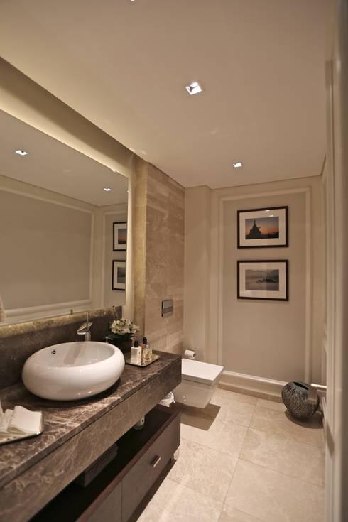 Kerim Çarmıklı İç Mimarlık – K.T.K Evi İstinye: modern tarz Banyo