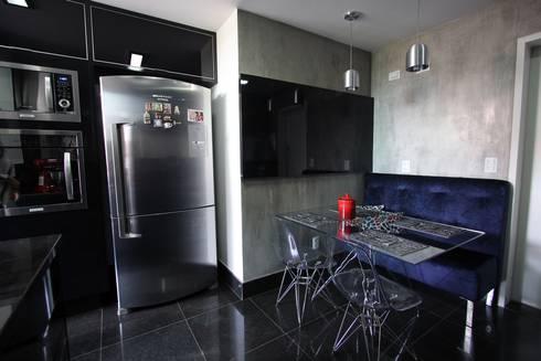 Cozinha Industrial-Moderna: Cozinhas ecléticas por Tejo Arquitetura & Design