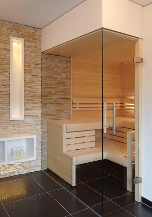 puristische sauna in hellen t nen von erdmann exklusive saunen homify. Black Bedroom Furniture Sets. Home Design Ideas