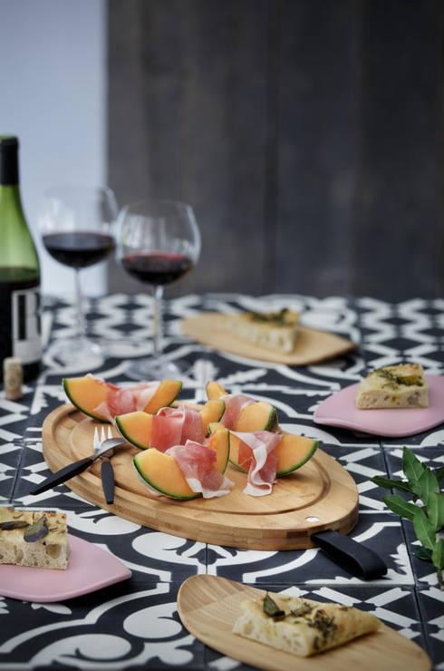 Connox:  tarz Yemek Odası