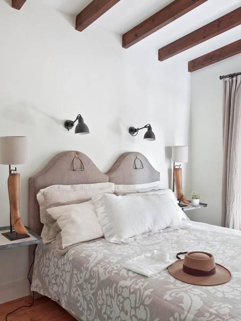 country Bedroom by SA&V - SAARANHA&VASCONCELOS