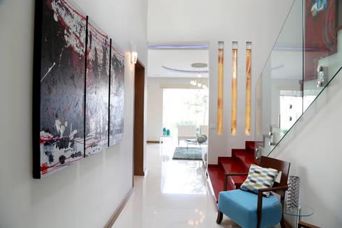 hall pb: Pasillos y recibidores de estilo  por arketipo-taller de arquitectura