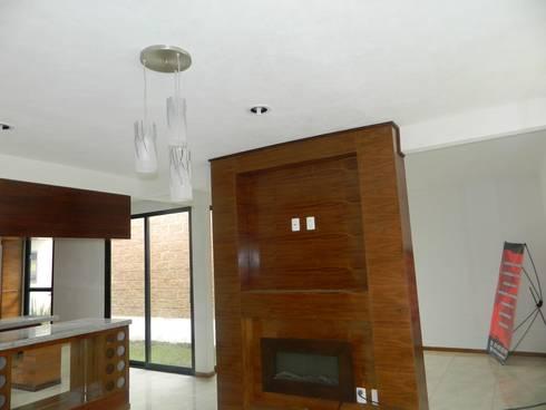 Real de Palmas 01 : Salas de estilo moderno por ECNarquitectura