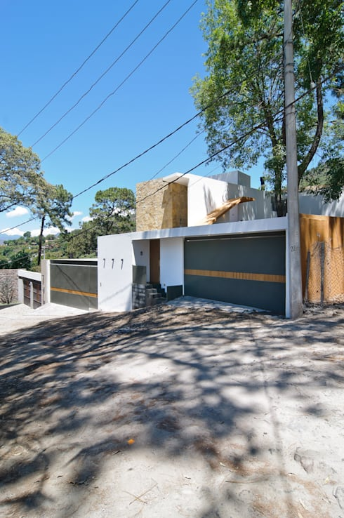Casa La Lagartija: Casas de estilo  por alexandro velázquez