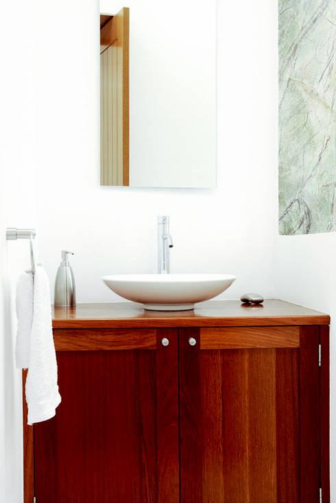 Casa M: Baños de estilo  por alexandro velázquez