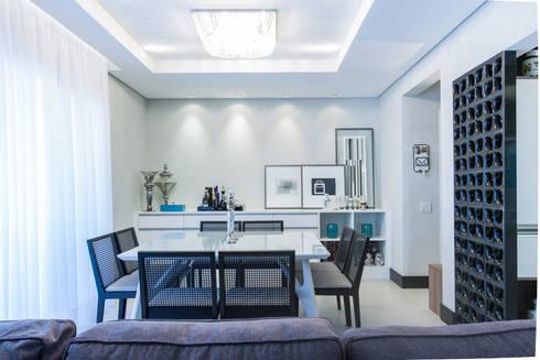 03_Projeto de Interiores: Salas de jantar modernas por Paula Carvalho Arquitetura