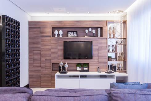 03_Projeto de Interiores: Salas de estar modernas por Paula Carvalho Arquitetura