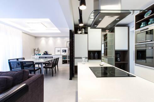 03_Projeto de Interiores: Cozinhas modernas por Paula Carvalho Arquitetura