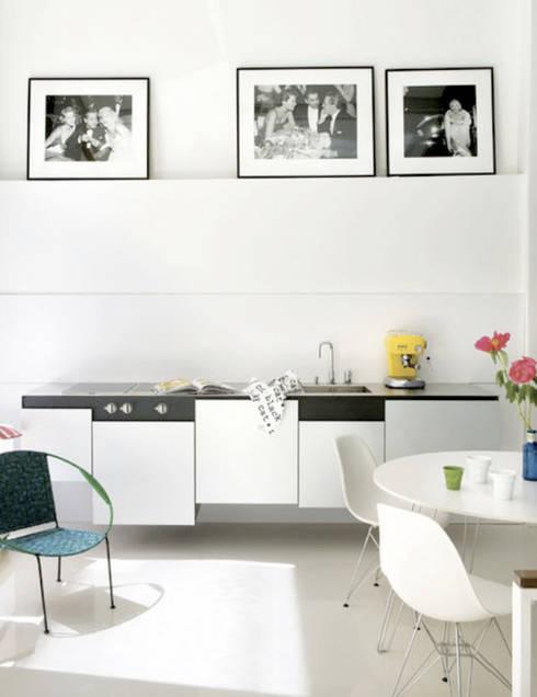 Modern familiar duplex: Cocinas de estilo ecléctico de Estudio de Arquitectura Teresa Sapey