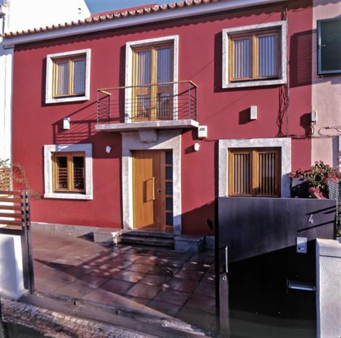 Fachada principal: Casas modernas por Borges de Macedo, Arquitectura.