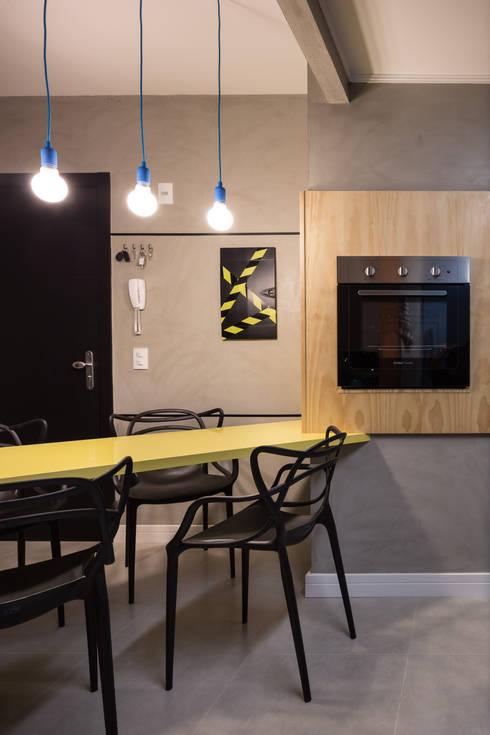 GC HOUSE: Salas de jantar modernas por Arquitetando ideias