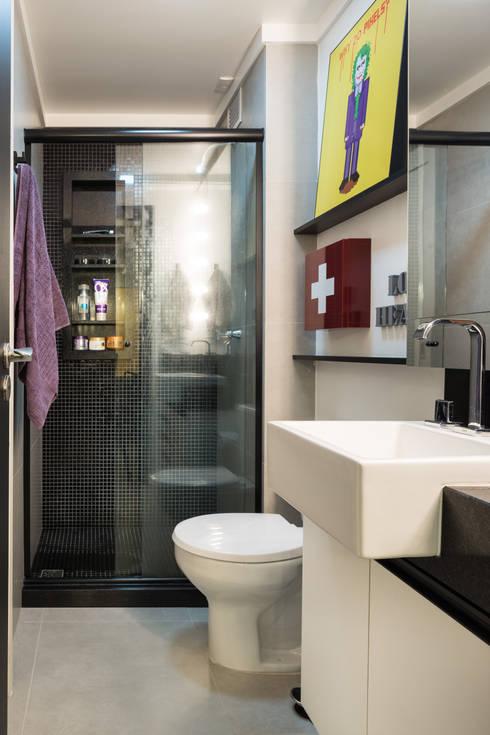 GC HOUSE: Banheiros modernos por Arquitetando ideias
