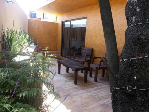 Diseño terraza casa 10: Terrazas de estilo  por konSeptA arquitectos