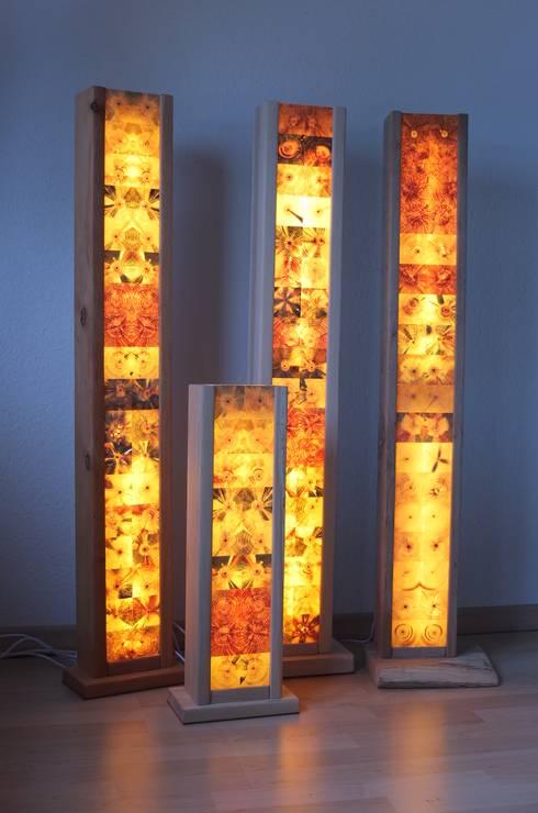 stehlampen s ulen mit durchscheinendem hirnholz by holz. Black Bedroom Furniture Sets. Home Design Ideas