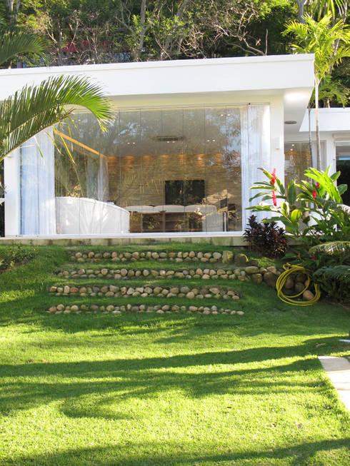 Casas de estilo  por Escritório Ana Meirelles