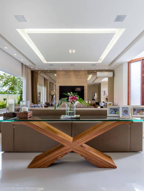 Salas / recibidores de estilo moderno por Adriana Leal Interiores
