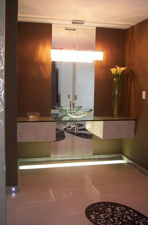 Lavabo: Corredores e halls de entrada  por Deise leal interiores