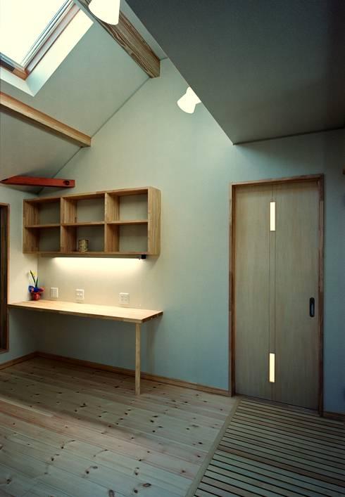 2階フリースペース: 小栗建築設計室が手掛けた和室です。
