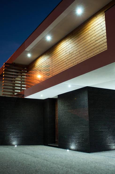 Casa da Boavista: Casas modernas por Miguel Zarcos Palma