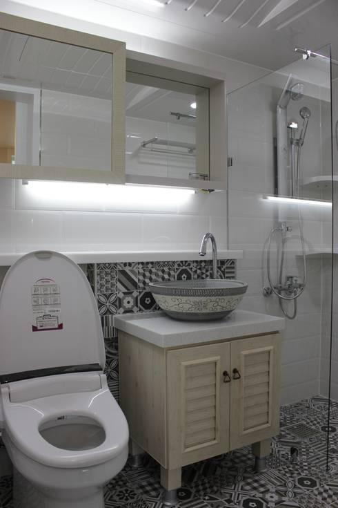 관저동 신선마을아파트 38평형 Before & After : 더홈인테리어의  욕실