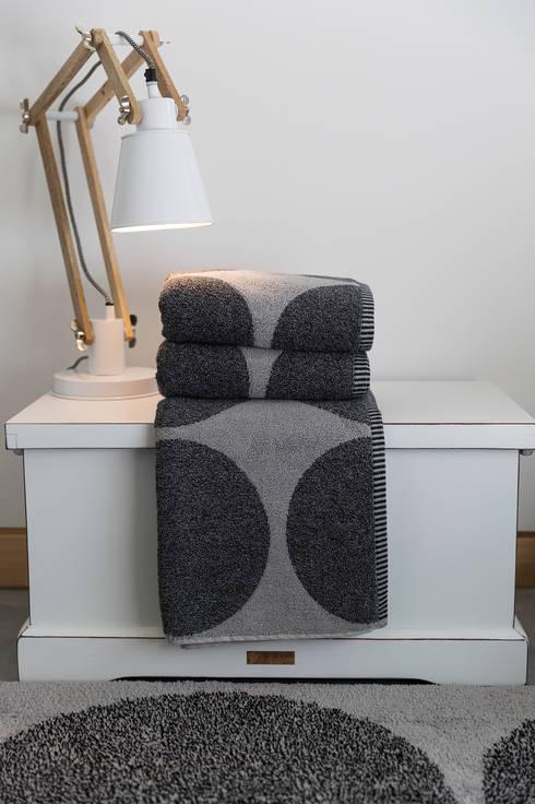 Sorema – Bath Fashion: 2016 new coordinated products: Casa de banho  por Sorema