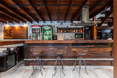 Chácara Riacho: Terraços  por AK Arquitetura Interiores