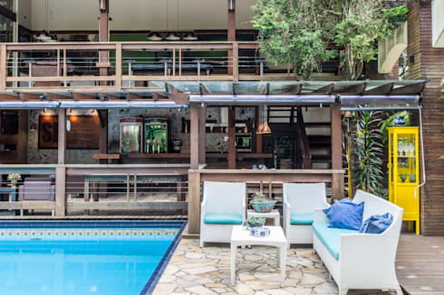 Chácara Riacho: Piscinas rústicas por AK Arquitetura Interiores