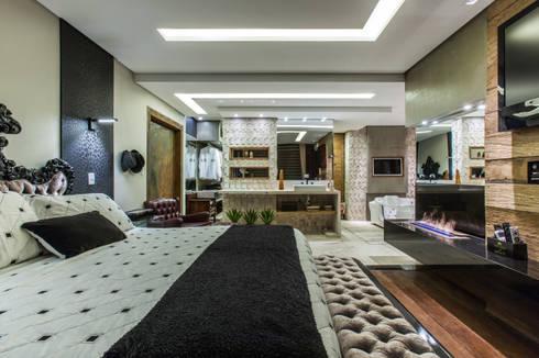 Chácara Riacho: Quartos  por AK Arquitetura Interiores