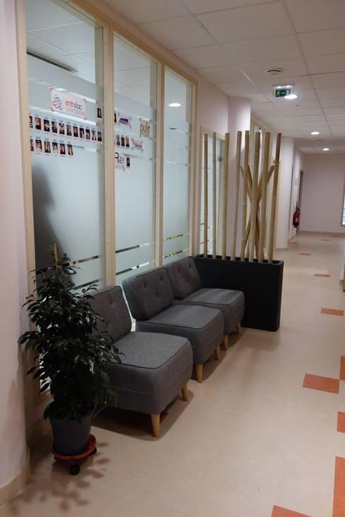 Espace attente du hall daccueil 30m2 couloir entrée escaliers de style