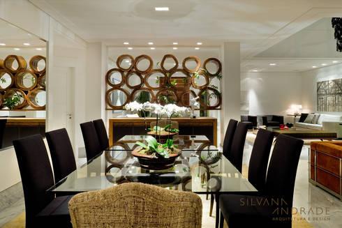 CASA DAS ARTES: Salas de jantar modernas por silvana albuquerque arquitetura e design