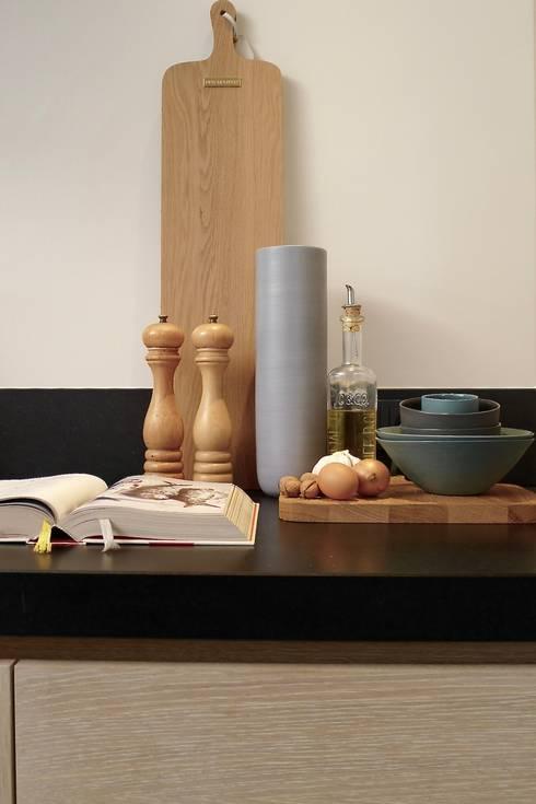Keuken, The Netherlands: moderne Keuken door Baden Baden Interior