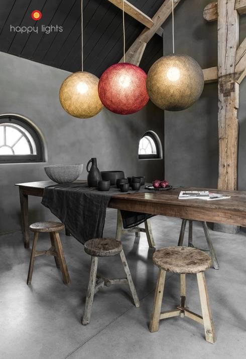 Lampadari : Paesaggio d'interni in stile  di COBO