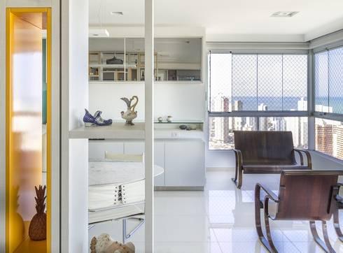 Residência T R: Salas de estar modernas por VZ Arquitetas