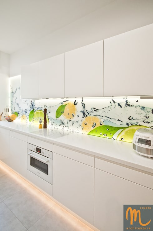 KOLOROWY NATOLIN: styl , w kategorii Kuchnia zaprojektowany przez studio m Katarzyna Kosieradzka
