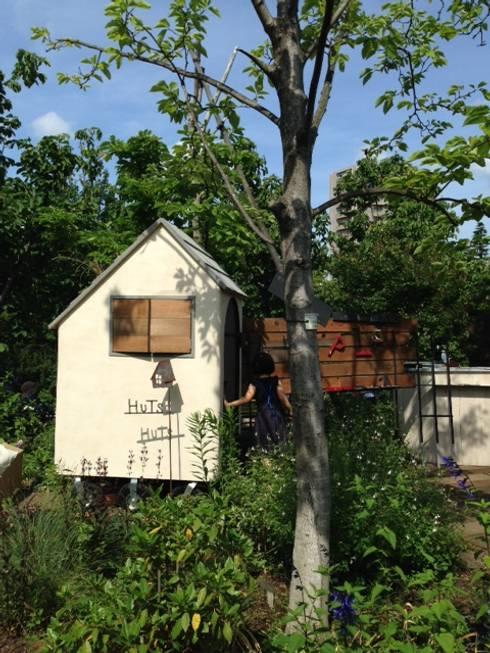 HUTS: kırsal tarz tarz Bahçe