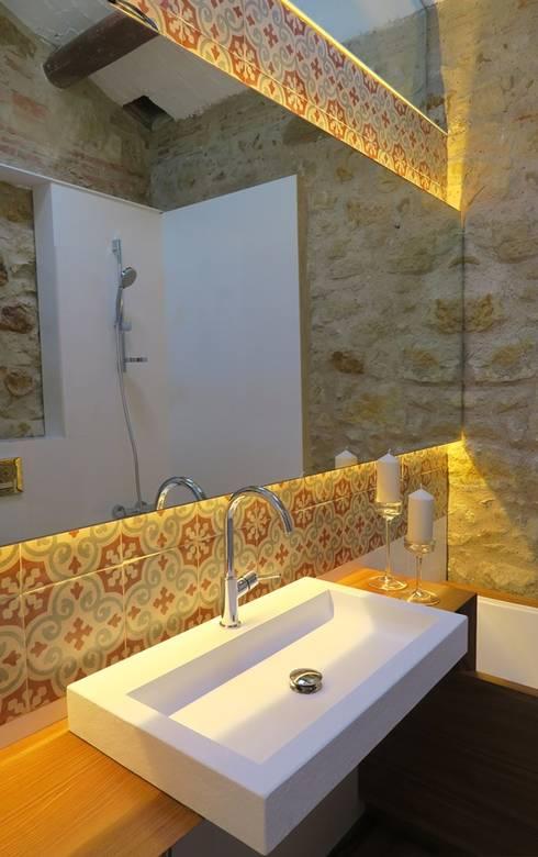 Baños de estilo rural por TONO BAGNO | Pasión por tu baño