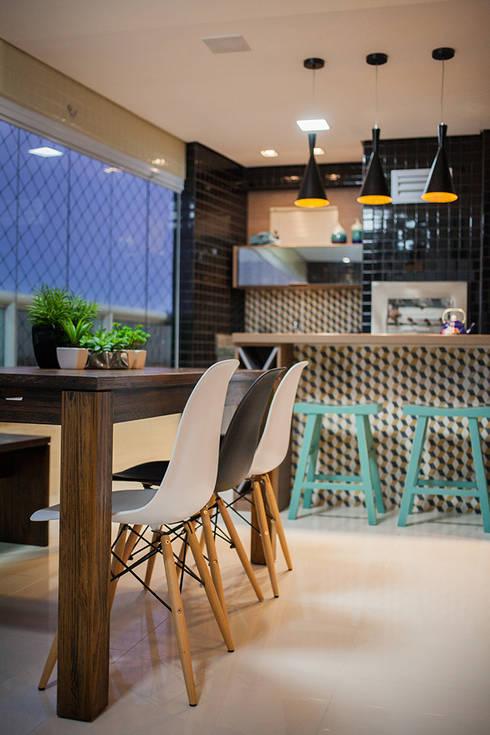 Apartamento A&R: Terraços  por Casa2640