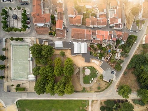 © FG+SG: Hotéis  por atelier Rua - Arquitectos