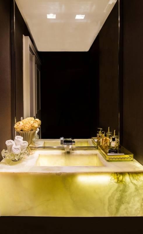 Residência DD: Banheiro  por Valdete Duarte
