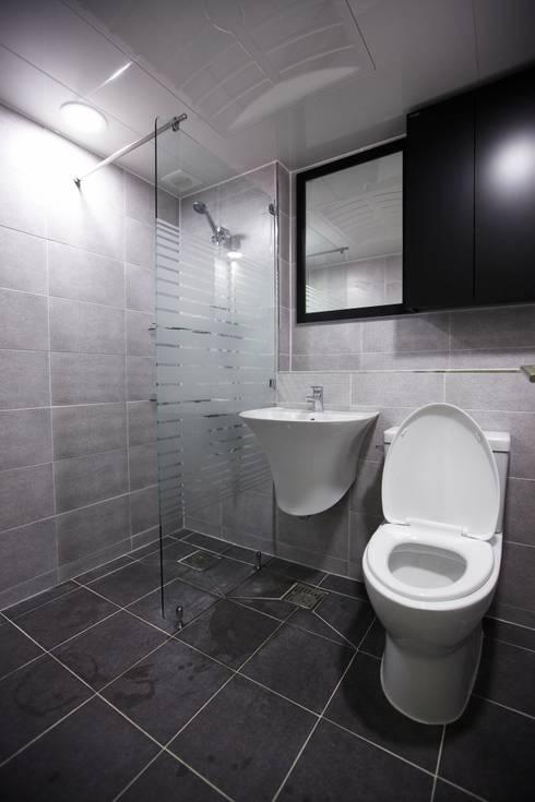 죽전 한양수자인 앞파트 리모델링 : DESIGNSTUDIO LIM_디자인스튜디오 림의  욕실