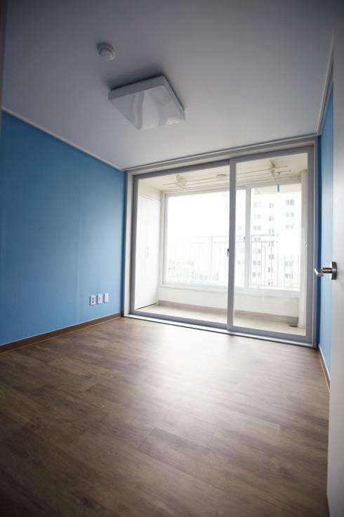 죽전 한양수자인 앞파트 리모델링 : DESIGNSTUDIO LIM_디자인스튜디오 림의  침실