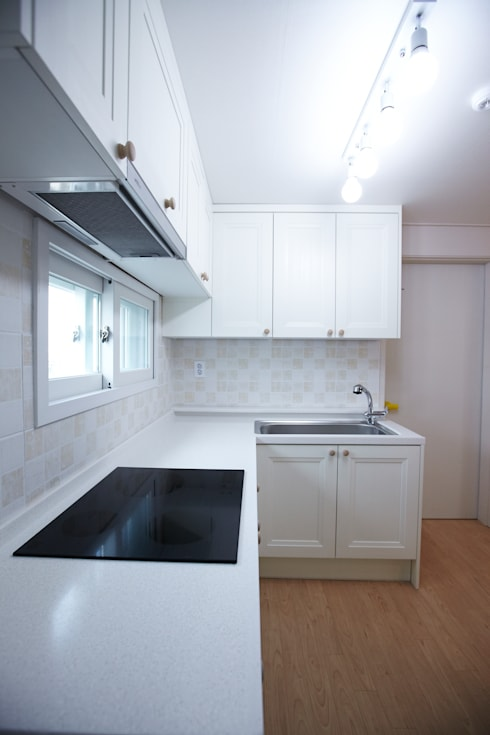 천호동 우정 아파트 리모델링 : DESIGNSTUDIO LIM_디자인스튜디오 림의  주방