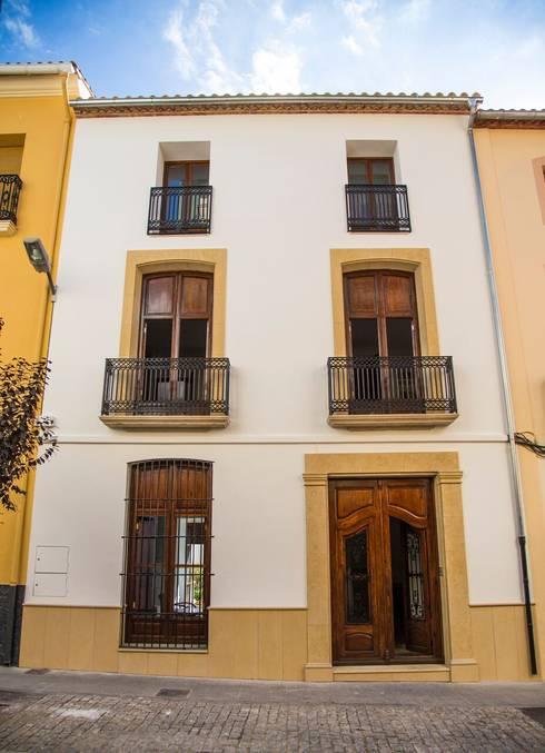 Casas de estilo  por R22 ARQUITECTES. Pere Joan Pons