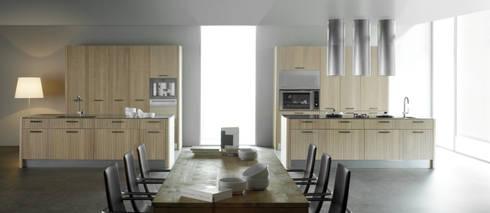 Orgánica: Cocinas de estilo moderno por ARCE MOBILIARIO