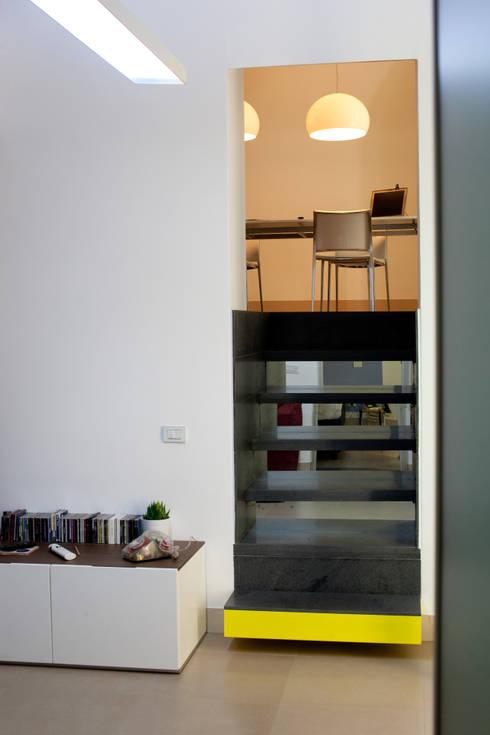 Realizzazioni: Cucina in stile in stile Moderno di antonio pelella + fabrizia costa cimino