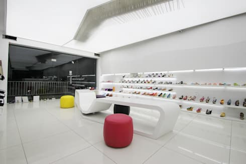 Divazea show room:  Commercial Spaces by NA ARCHITECTS