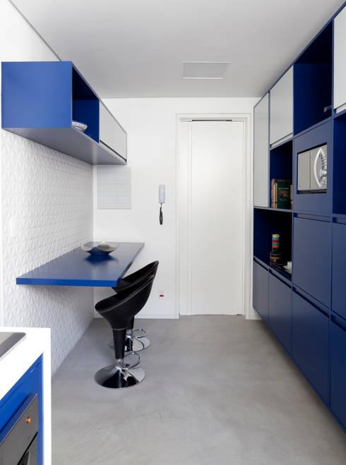 Projekty,  Kuchnia zaprojektowane przez Tria Arquitetura